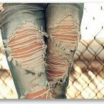 Хит сезона — как сделать модные дырки на джинсах